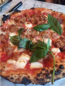 Margherita pizza with meatballs